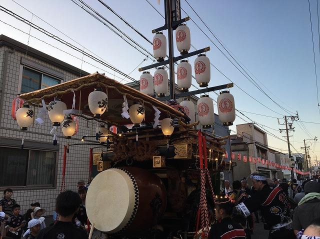 石取祭の昼間の祭車