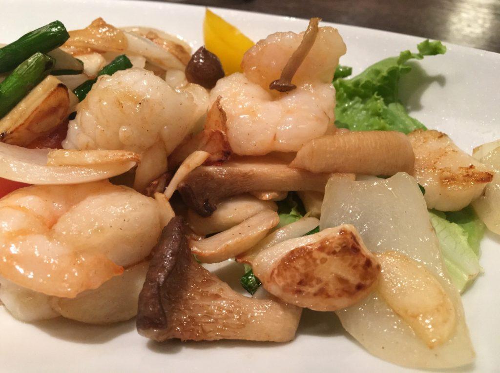 ドラゴンキッチン海鮮炒め物