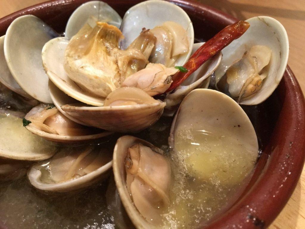 デルタ蛤のアヒージョ